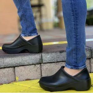 NWOT Shoes for Crews Cobalt Black Clog Shoes